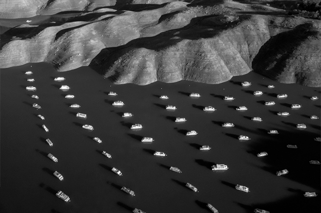 Thomas van Houtryve. House boats on Lake Oroville, California. The lake is 70% empty due to California's severe drought.