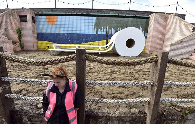 Design Museum - Banksy's twisted 'Dismaland' theme park-5