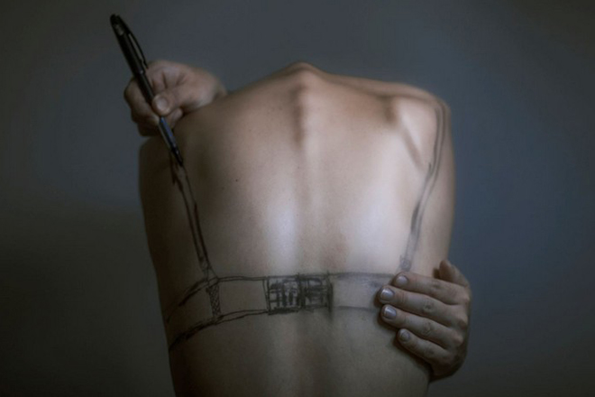 Design Museum- Contemporary art on human bodies by Yung Cheng Lin-7